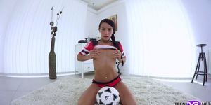 VR porn football hottie masturbates pussy with her toy