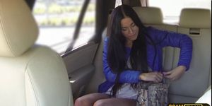 Liberated latina MILF gets tricked into blowjob on the back seat № 595127 без смс