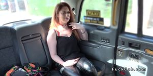 Natural busty babe gags fake taxi drivers dick