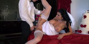 Cougar bride pussylicked and fucked