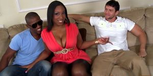 Fat ebony pornstar Layla Monroe in threeway