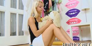 Lecherous teenage sweetie gives head and gets her shaved pussy boned-up № 824905 бесплатно