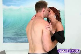 luscious milf gets her sweet ass licked