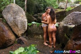 Babes ride in threesome
