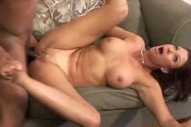 Linda from Hotmomnextdoor.com