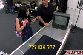 Amateur Latina Banged for Some Cash in the Pawn Shop