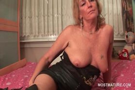 Mature blonde into leather fetish vibing horny cunt in