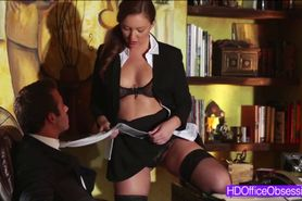 Hot secretary gets work hard for bigcock