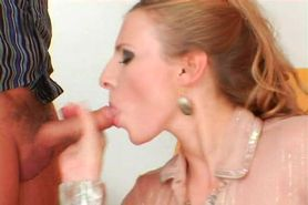 Piss: Glamour Euro Babes