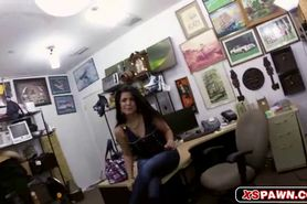 Amateur Latina Had Sex in the Office in Exchange for So