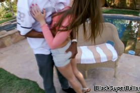 Teen gobbles black cock outdoors