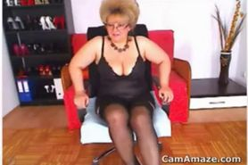 Fat Mature Woman Flashses Tits