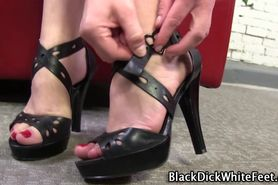 White feet get worshipped