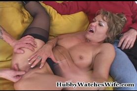 kelly leigh husband watches