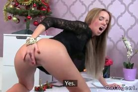 Amateur Santa wanking dick on female agent