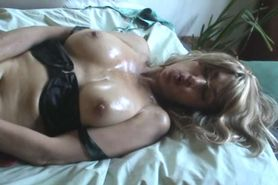 slutmilf  zebra genuine masturbation show