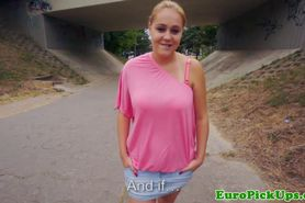 Busty blonde babe outdoor flash for cash