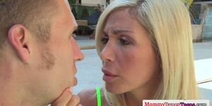 Evita Pozzi anally fucked in threesome with cougar Chas
