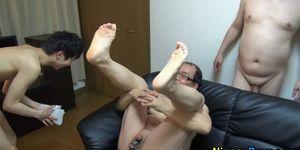 Asian twink fingers ass
