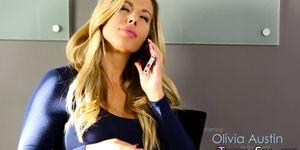 Massaged babe gets oral