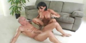 Brunette mom with tight body fucked