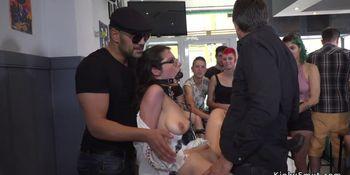 Brunette hottie gets facial in public