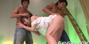 Playing with a horny japanese cunt