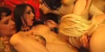 EMO lesbisk orgie tenåring jenter på Nude Beach