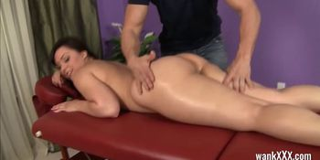 Bubble-butt Babe Gets Fucked