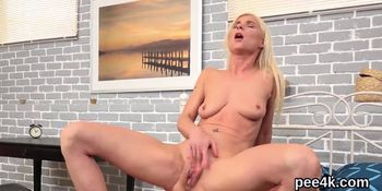 Exceptional doll gets her juicy vagina total of warm ur