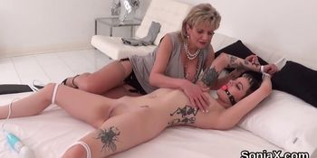 Unfaithful english mature lady sonia reveals her large