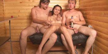 Смотреть порно сняли номер в сауне и занялись любовью фото 229-344