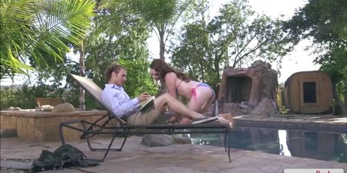 An awesome outdoor sex with pretty American babe KAssan