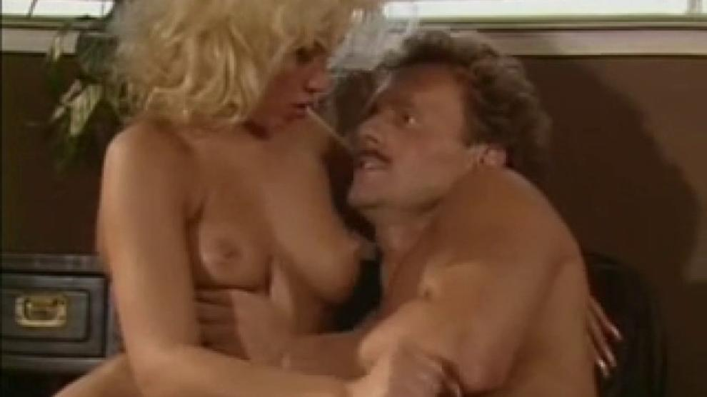 Latina Blond Pov Threesome