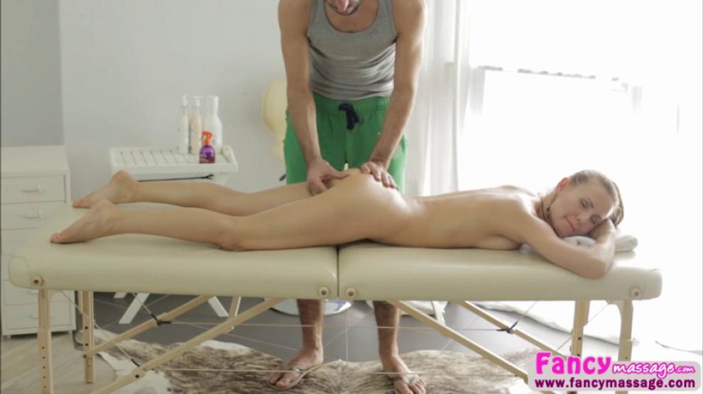 Ebony Amateur Cum Inside Pussy