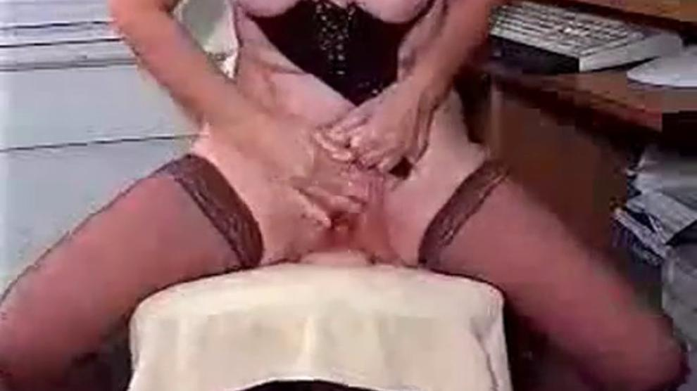 Freaky Lady On Cam Tells A Story While Toys In Ass Porn Videos
