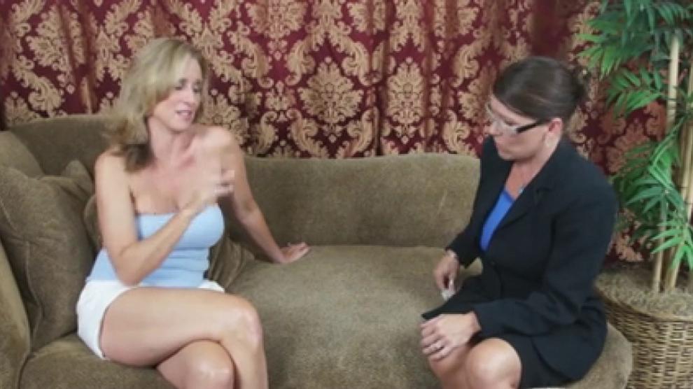 Mum Needs You To Impregnate The Mortgage Lender Porn Videos