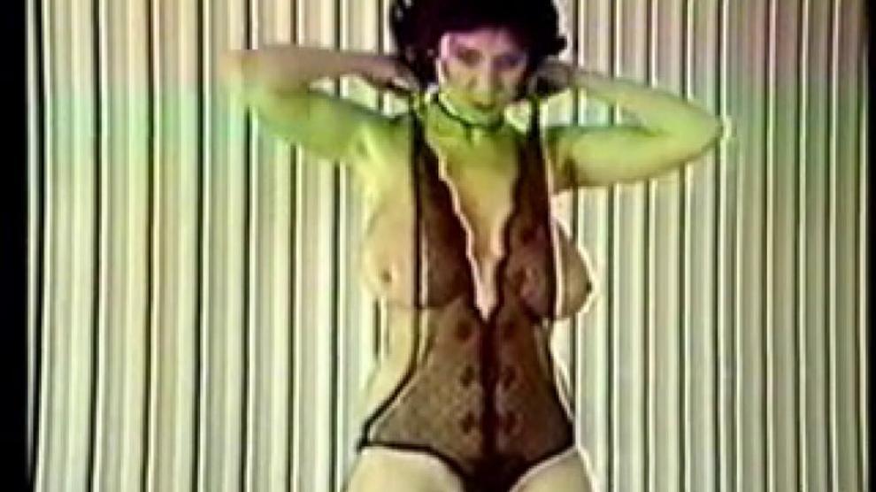 Karen Wing 2 Strips Porn Videos