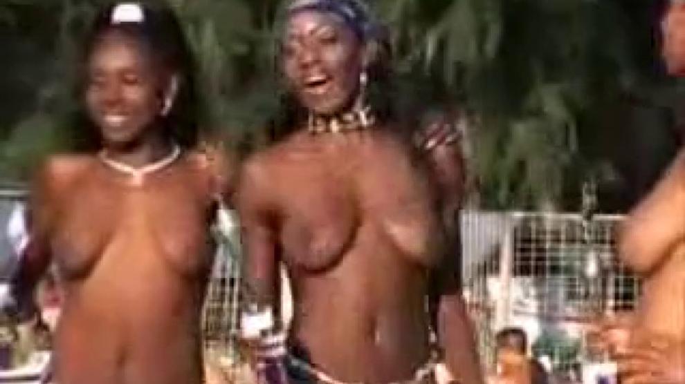 Nudeshow At Open Air 18c Porn Videos