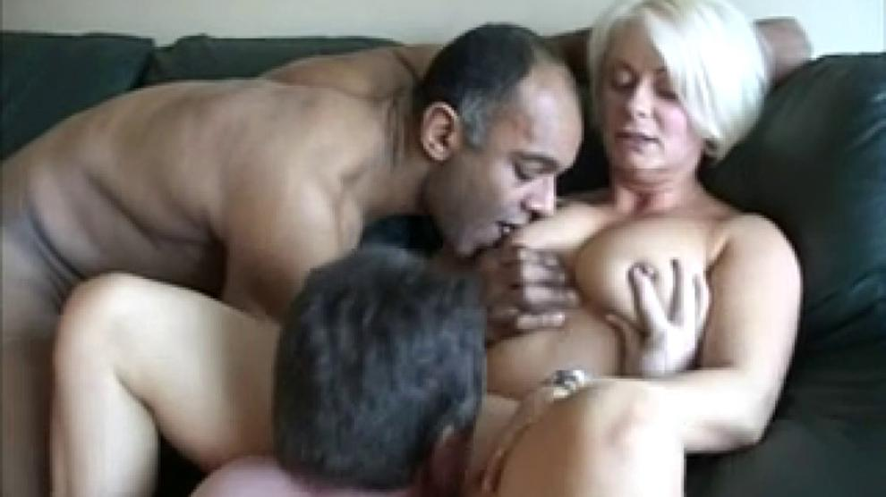 Blonde Milf Amateur Threesome