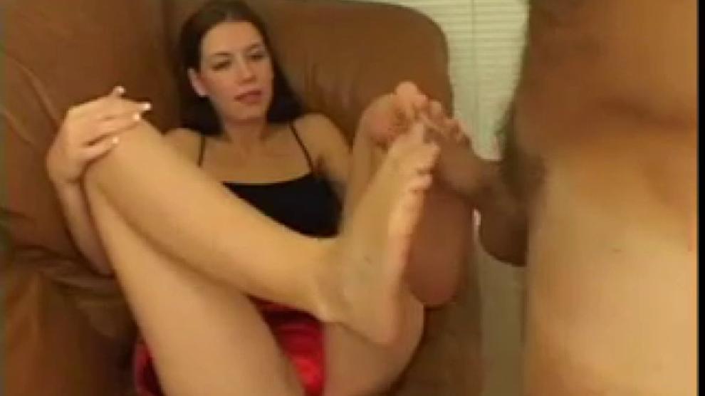 Alicia Alighatti Foot Worship Porn Videos