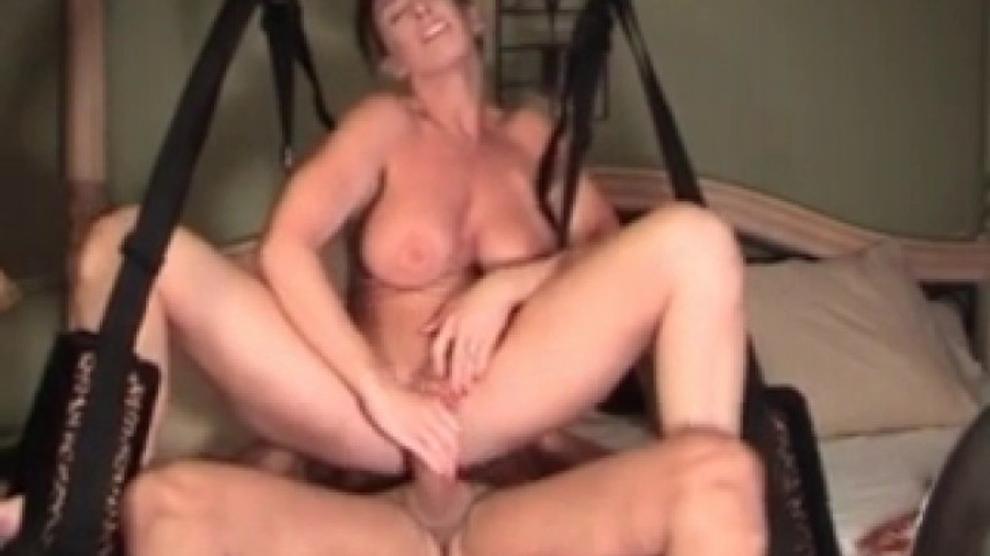 amateur milf tits swinging