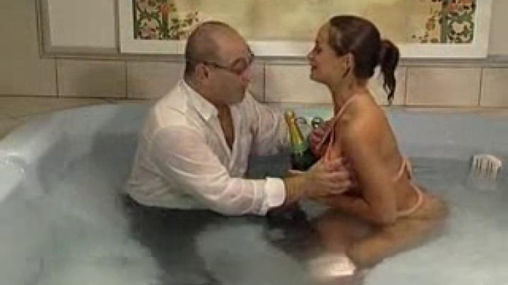 Roberto Malone Bath Sex Brighteyes69r Porn Videos