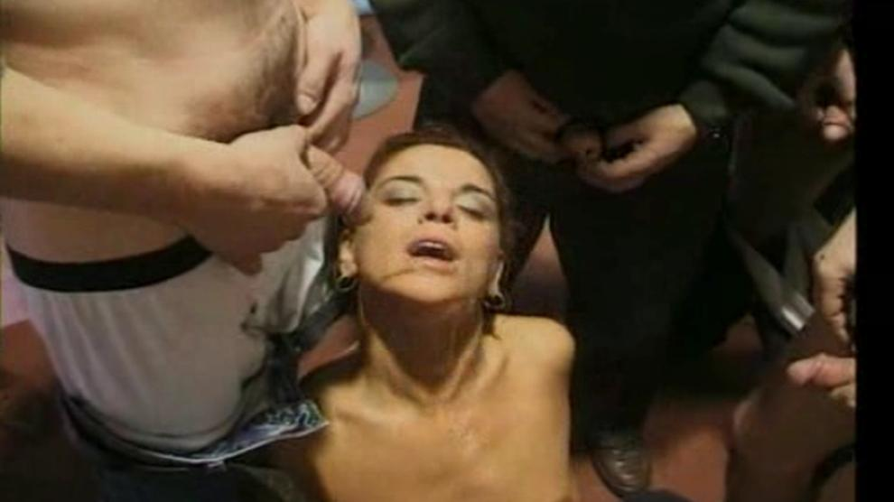Muscle woman cartoon porn