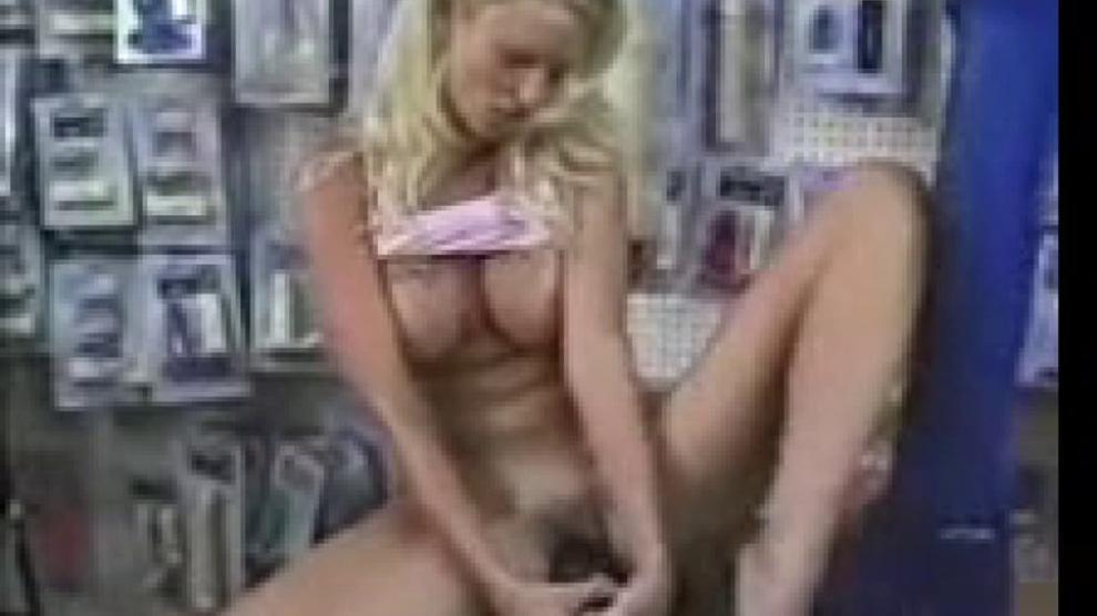 Candy Apples Giant Dildo Porn Videos