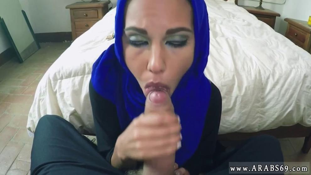 2 Sisters Blowjob Brother