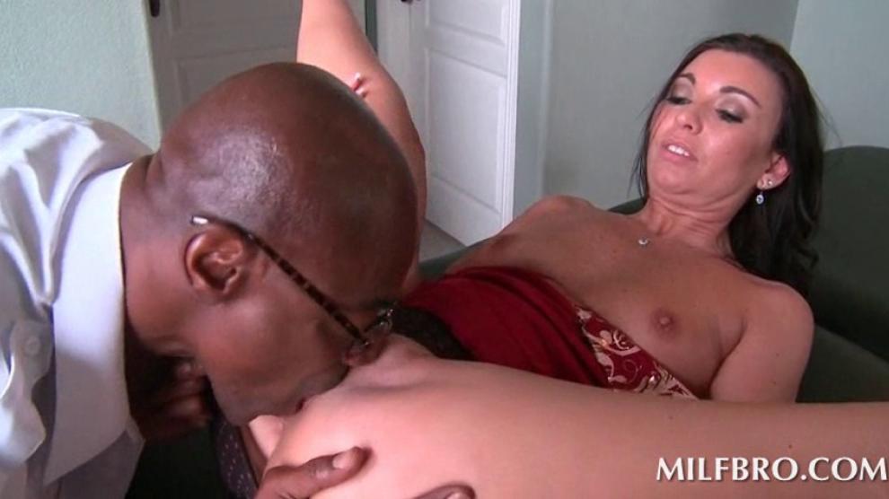 Black Man Licks White Pussy