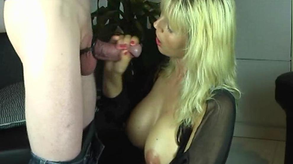 Huge Tit Ebony Amateur Blowjob