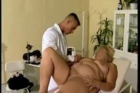 BBW mature comes to the doctor for sex