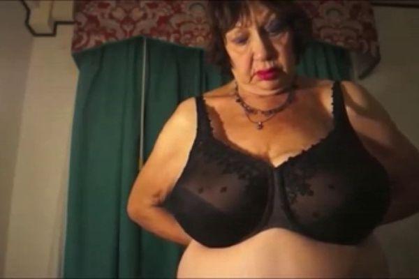 Viser pornografiske billeder til Elaine Everett Star Porno Www-8594